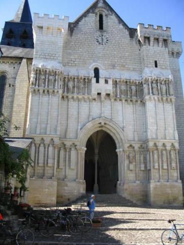BAT L'église de Candès St-Martin