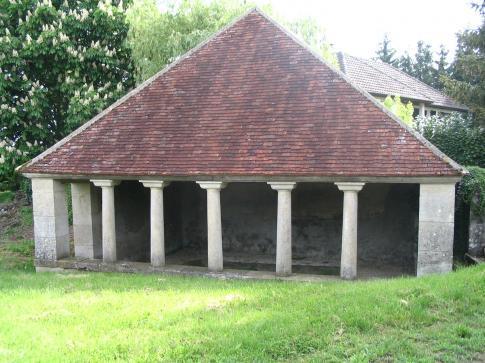 BFCT Lavoir à Colonnes du Chêne au Franc